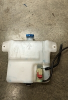 Salvage Isuzu Windshield Fluid Reservoir: 95+ Trooper
